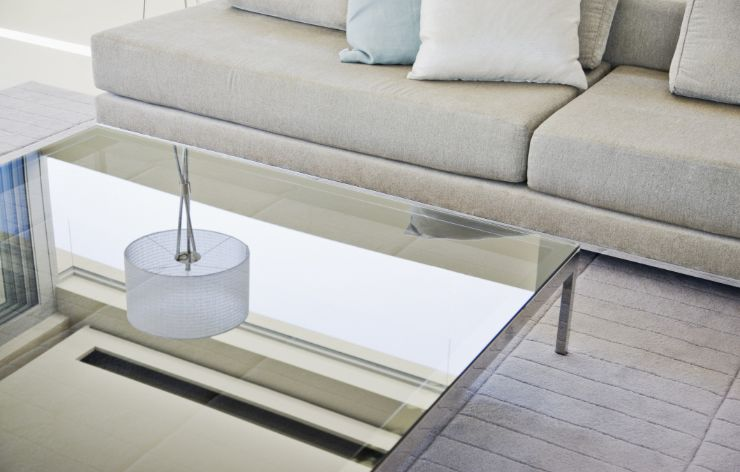Modern glass table | Demers Glass AZ