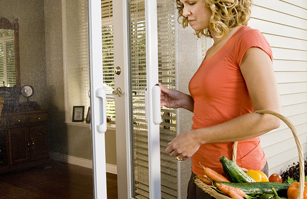 Easy to close retractable screen doors by Mirage